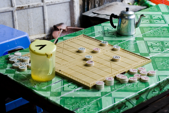 Chinese Chess in Nha Trang, Vietnam. Photography by Olivia Griselda.